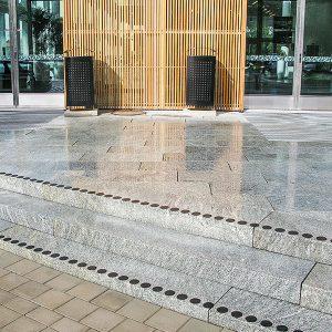 Stenläggning vid entrén Karlstad CCC