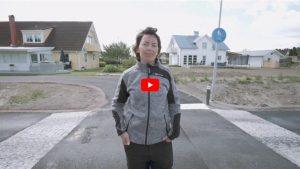 Porträtt på Hanna Nyström, Platschef NRC Group i Karlstad, som berättar om hur det är att bygga farthinder med hjälp av Terrakomp moduler