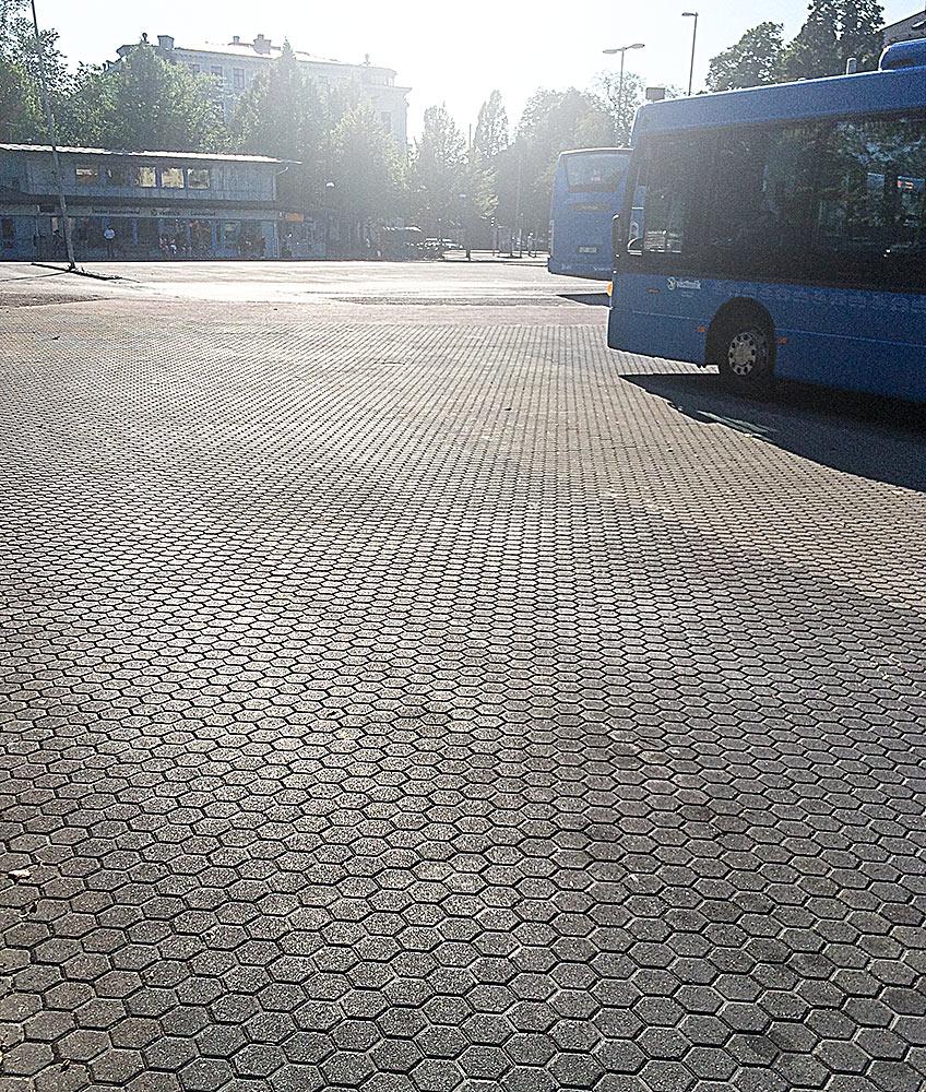 Markstensyta vid bussterminal i Göteborg