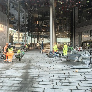 Stenläggning vid Mall of Scandinavia