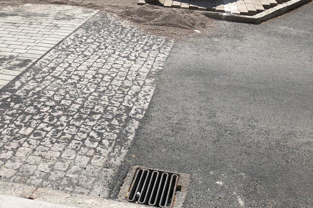 Terrakomp farthinder på Stortorget i Vellinge