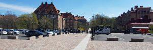 Markstensbeläggning av smågatsten vid Hvitfeldtska gymnasiet i Göteborg